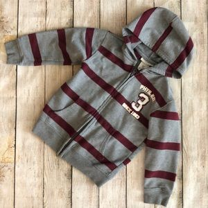 ✨5 for $25✨Tough skins zip up hoodie sweater
